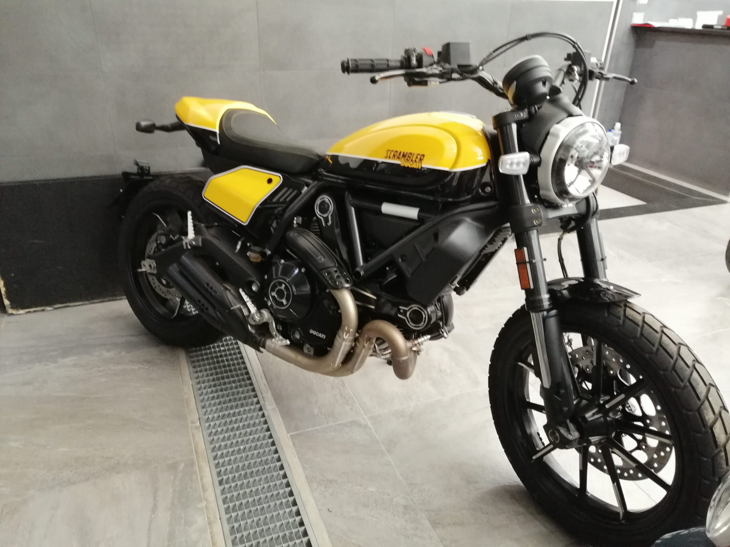 Ducati Scrambler 800 Full Trhottle Nuova 0 Km Xgamemoto